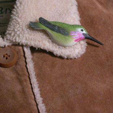"""Calliope Hummingbird Feather Pin (Male) 3½""""L"""
