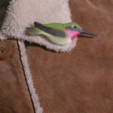 """Ruby-throated Hummingbird Feather Pin (Female) 3½""""L"""